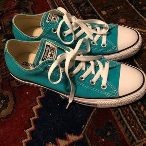 Turquoise Converse Low Top Shoe